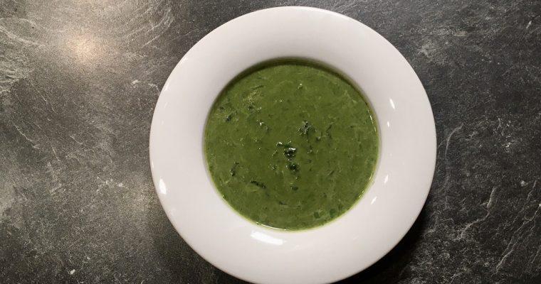 Suppe aus Spinat