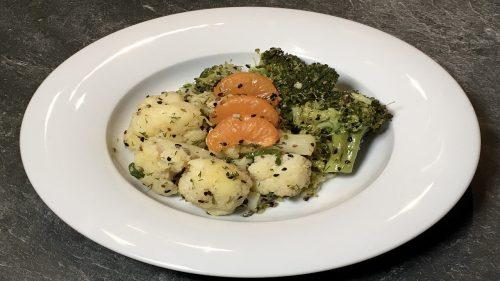 Salat aus Blumenkohl und Brokkoli