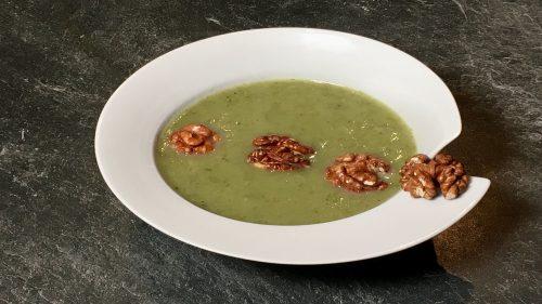 Suppe aus Kohlrabi und Rettich